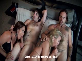 Секс с молодой блондинкой и ее ненасытным отчим